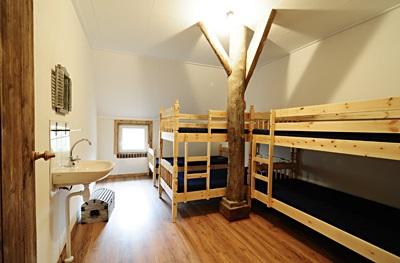 Zes 5 persoons slaapkamers in groepshuis de waddenhoeve